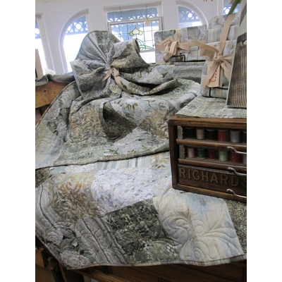 Creations Quilt from Ophelia by Northcott