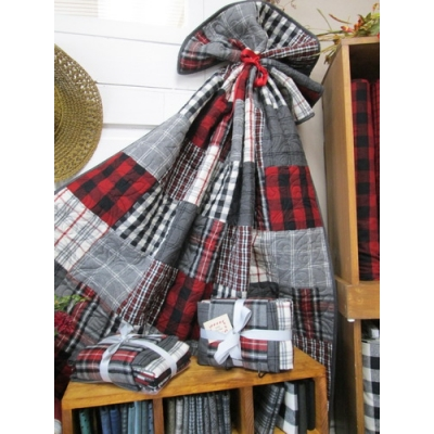 Pieces of Eight Flannel Quilt kit from Creations