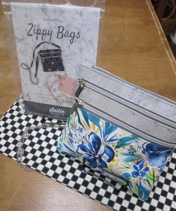 Sallie Tomato Zippy Bag