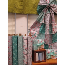 Rag-a-muffin-snowy day quilt kit from Creations